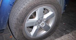 Qué hacer ante un pinchazo en la rueda