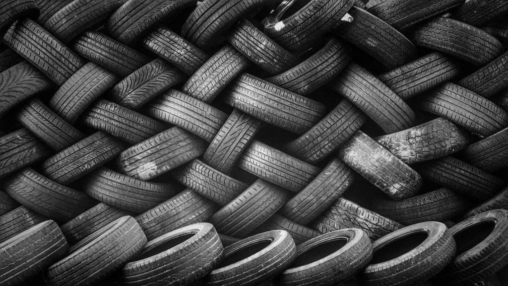 cambiar los neumáticos de tu coche