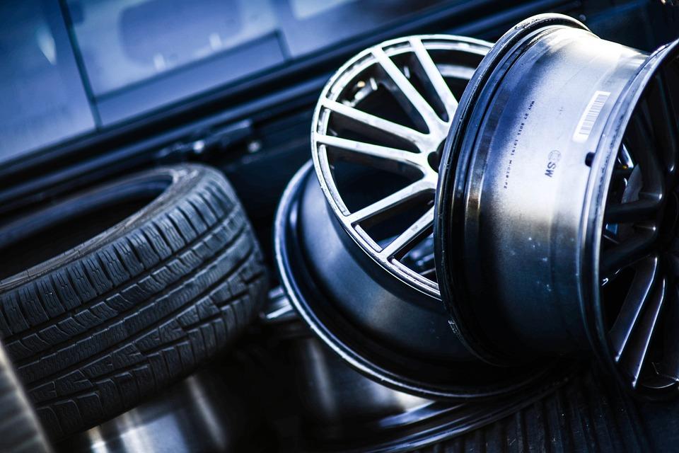 qué hace diferente a un neumático de perfil bajo