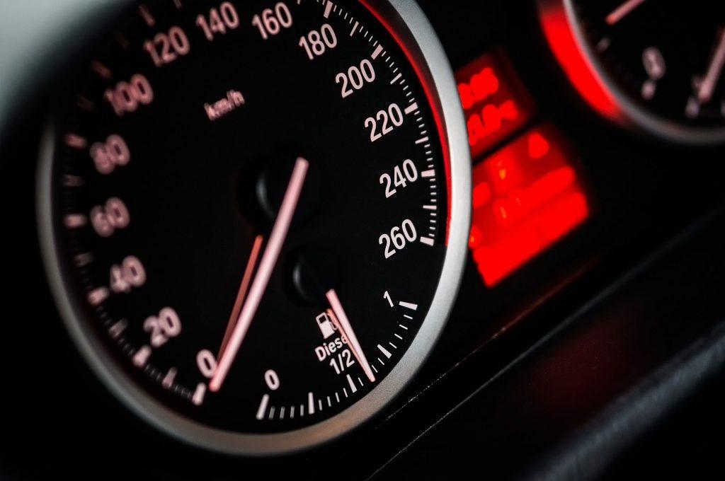 velocidad adecuada para la conducción