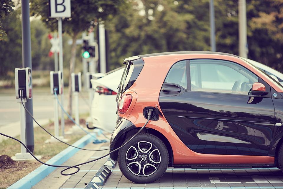 neumáticos especiales coche eléctrico