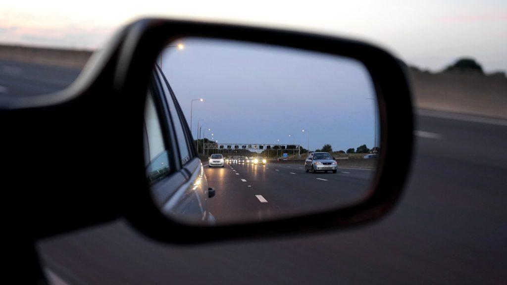 La distancia de seguridad es la que mantienes con el coche que circula delante de ti