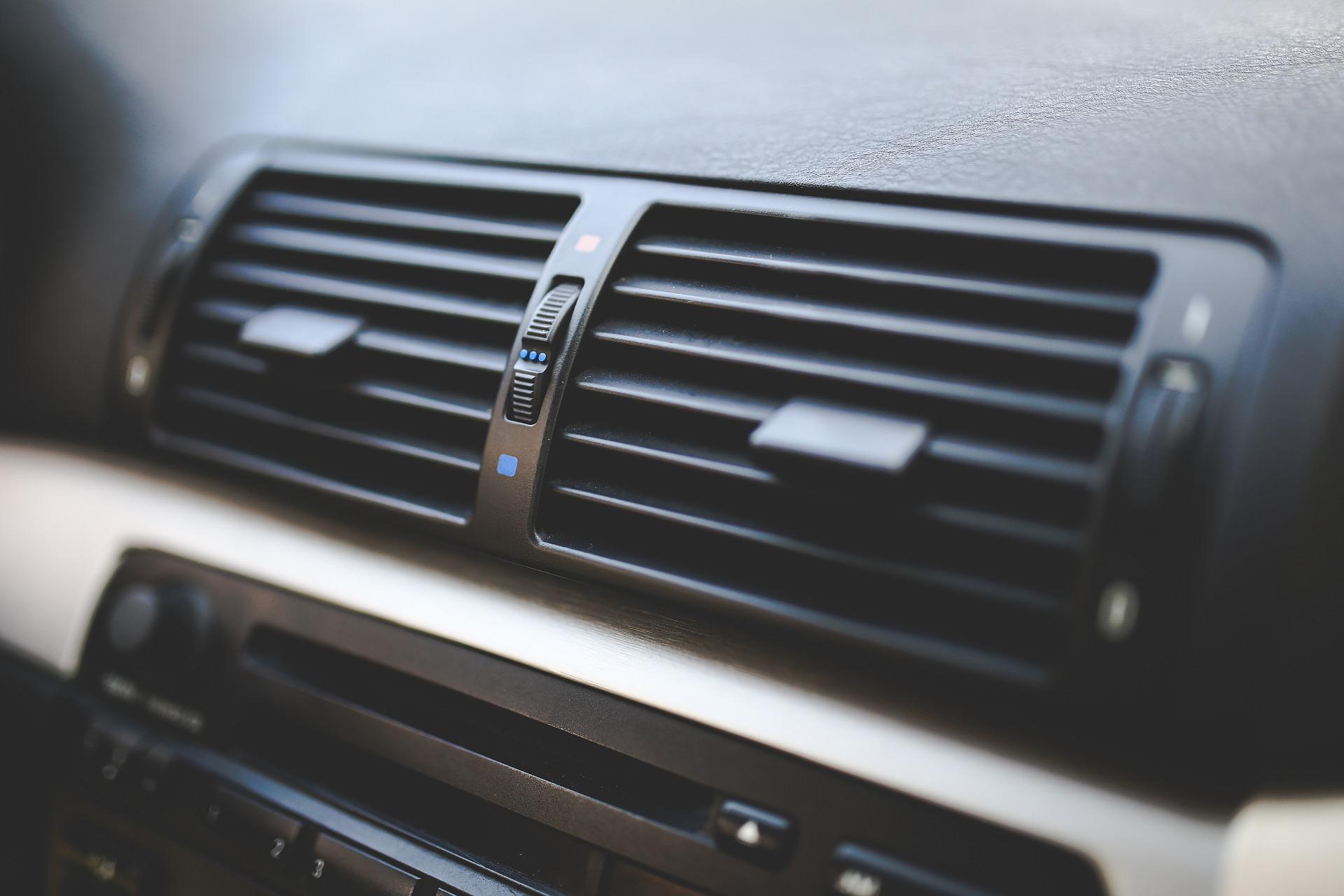 Cuándo se recarga el aire acondicionado del coche