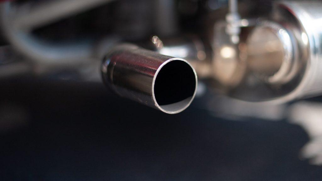 quemaduras del tubo de escape