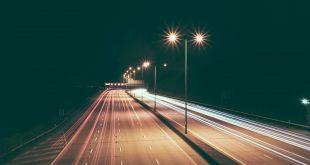 Las farolas nuevos puntos de carga para coches eléctricos