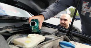 coche pierde aceite