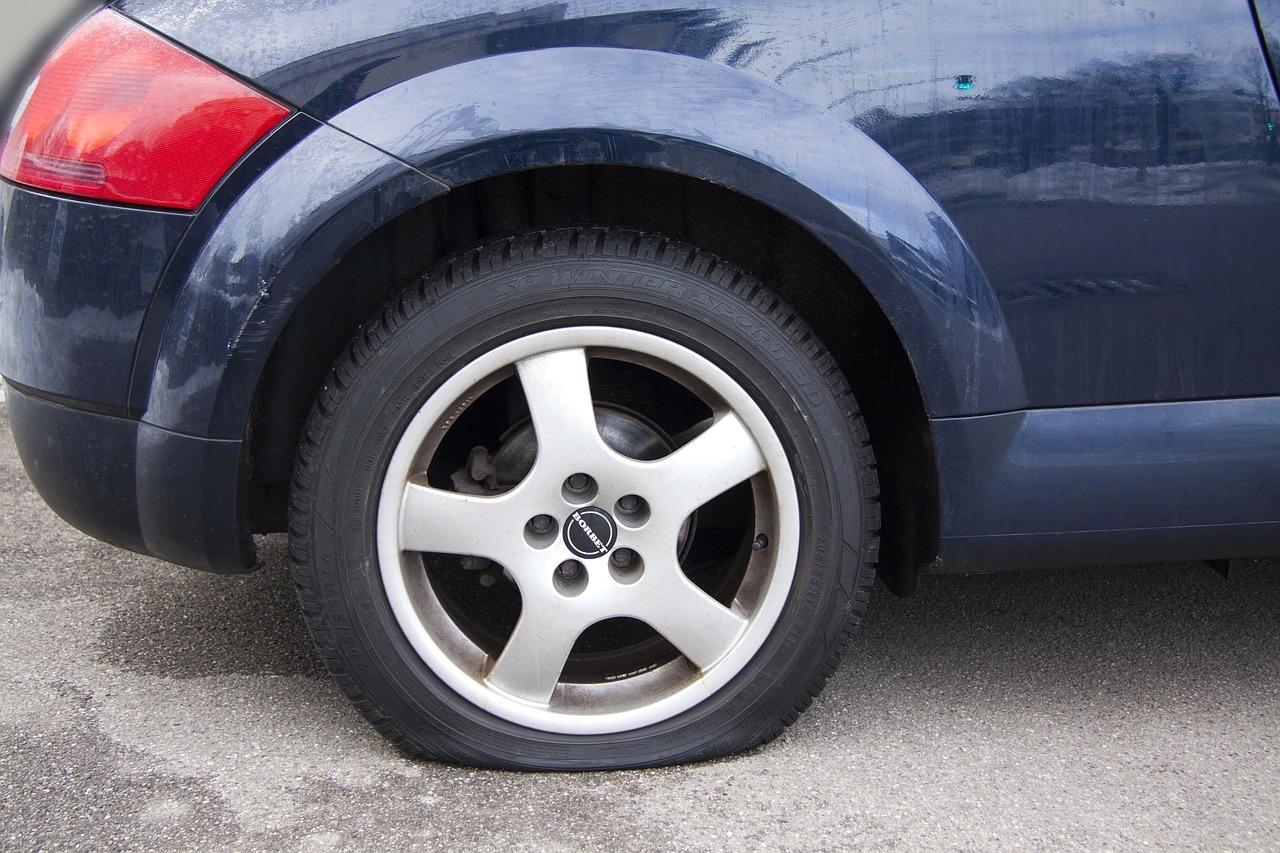 Cuatro consejos descubrir deterioro neumáticos