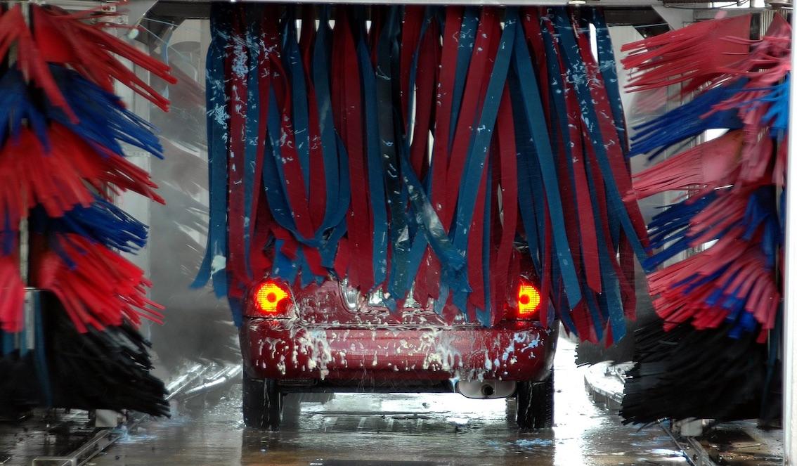 Alternativa ecologica para lavar vehículos