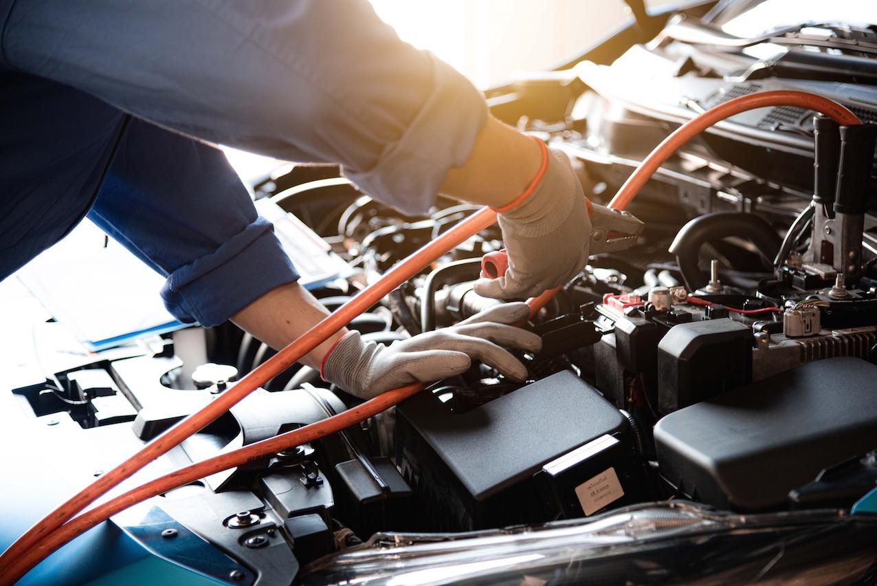 Mantenimiento sistema eléctrico coche